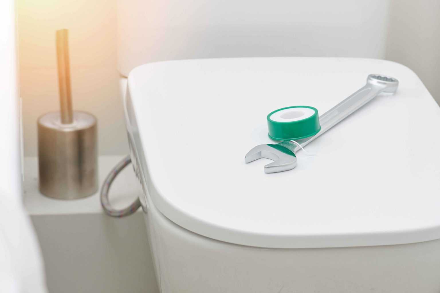 How to Install a Brand New Toilet Seat 1536x1022